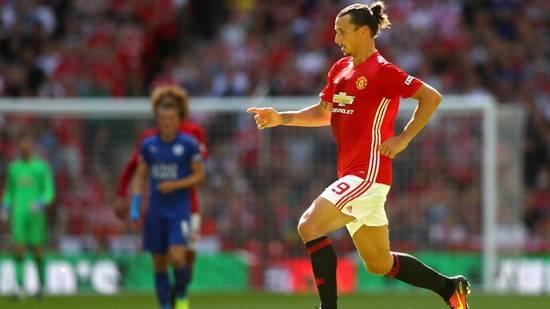 manchester-united-zlatan-ibrahimovic-running