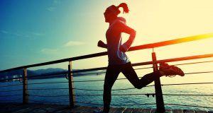 άθληση τρεξιμο κοριτσι