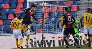 Μπολόνια Ουντινέζε Τομιγιάσου κεφαλιά Serie A